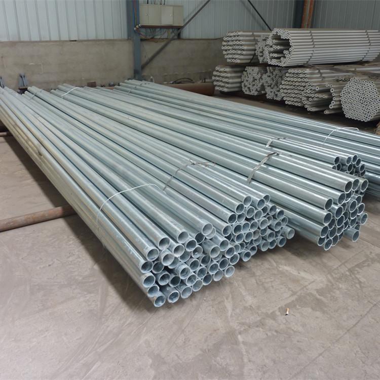 不锈钢网架厂家支持定制安装加油站网架、体育馆网架,价格合理,快速高效施工