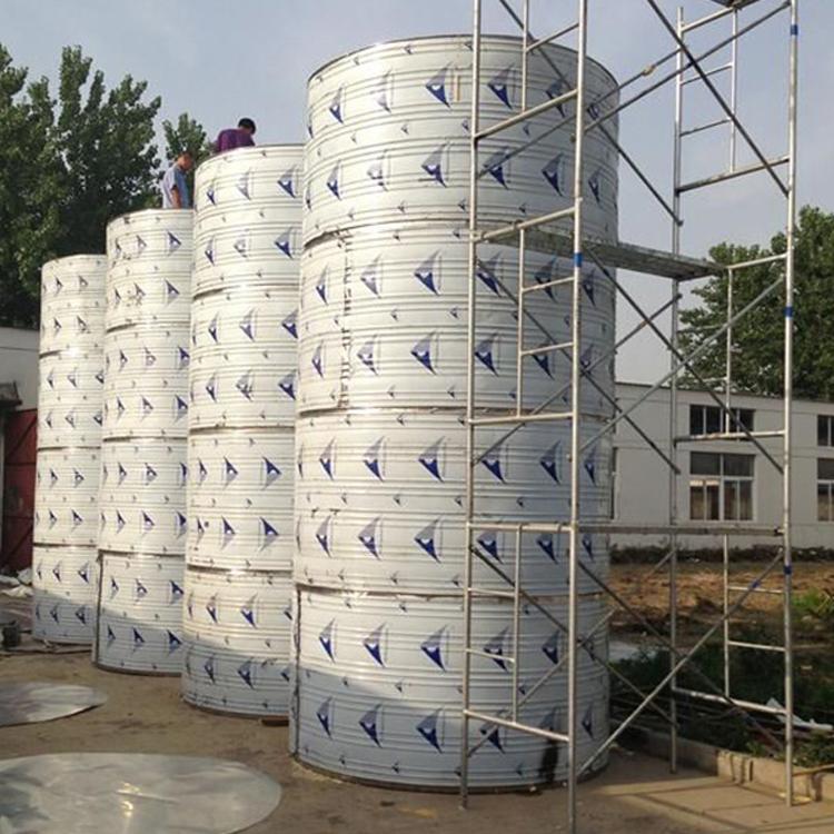 不锈钢圆形水箱厂家供应:大型工程圆形水箱,酒店不锈钢保温水箱,小区不锈钢生活水箱等