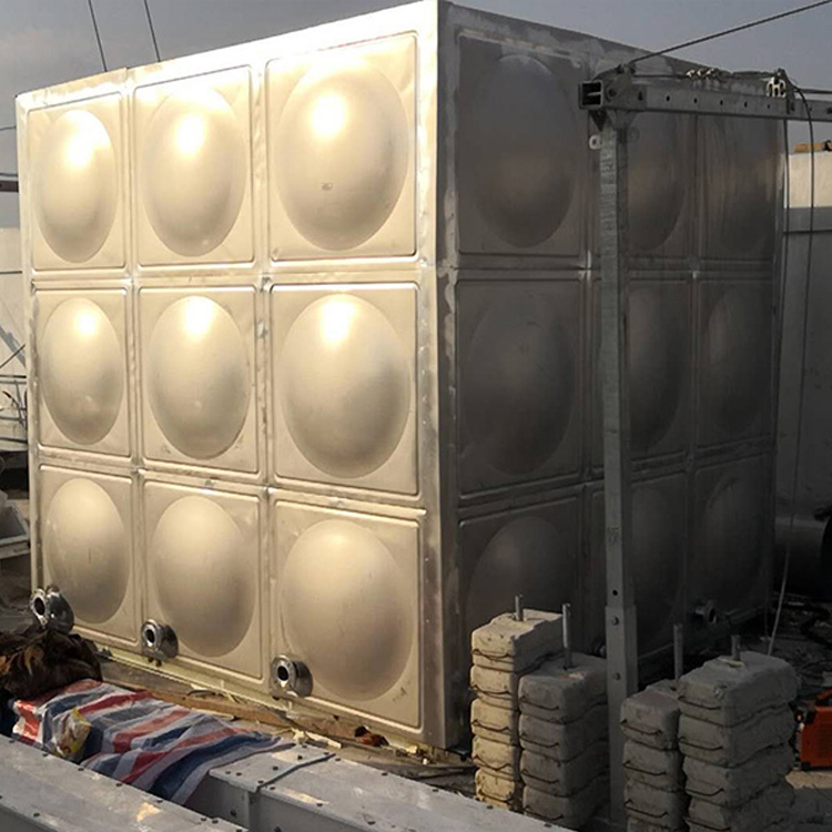 楼顶水箱生产厂家,专业制作酒店楼顶保温水箱,学校高层方形水箱,量大优惠