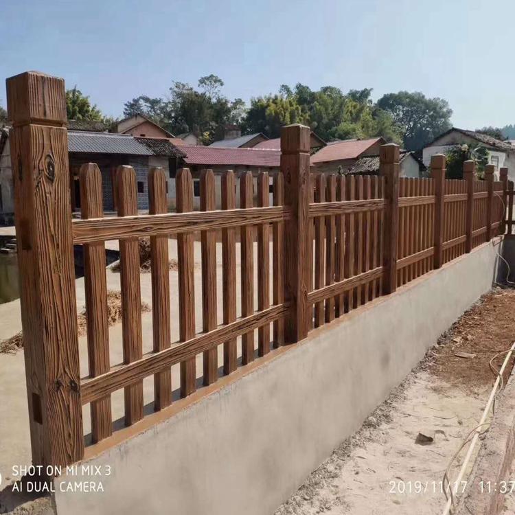 定制仿木围栏 专业厂家直销仿木围栏 专业生产制造 选材精细