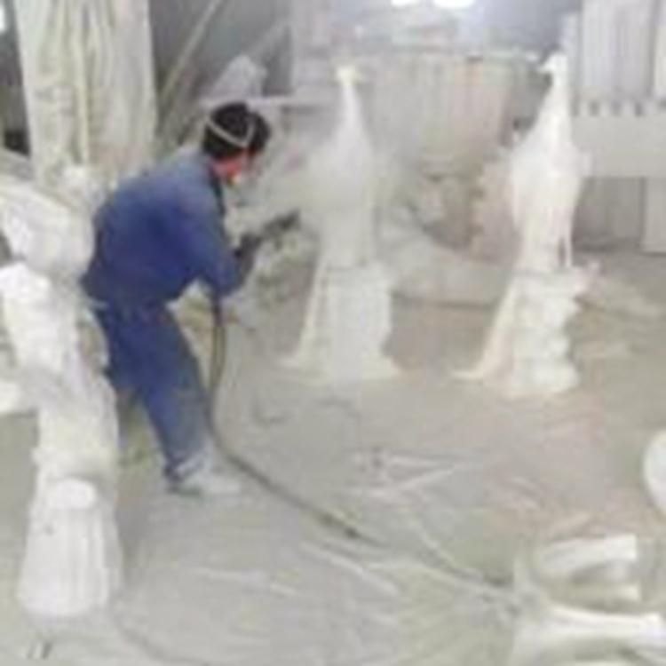 雕塑上色翻新喷涂聚脲 厂家生产纯聚脲 全国直销